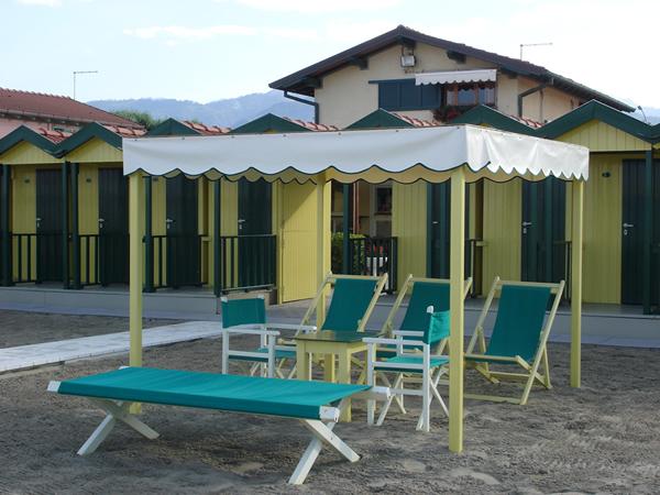 Bagno Umberto. Via Arenile,54 55042 Forte dei Marmi